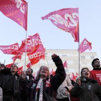 Empleados de la corona de España declaran huelga por recorte salarial
